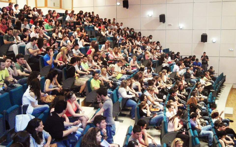Δύο στους τρεις φοιτητές πήραν μετεγγραφή σε Πανεπιστήμιο της αρεσκείας  τους - Δυνατή Ελλάδα