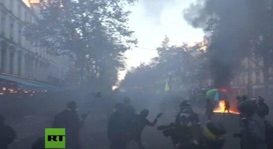 Παρίσι: Επεισόδια στη διαδήλωση κατά της αστυνομικής βίας