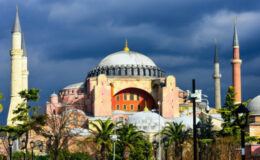 Nέα παρέμβαση της UNESCO για Αγία Σοφία και Μονή της Χώρας