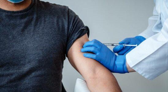 Πολλά αναπάντητα ερωτήματα γύρω από τα εμβόλια