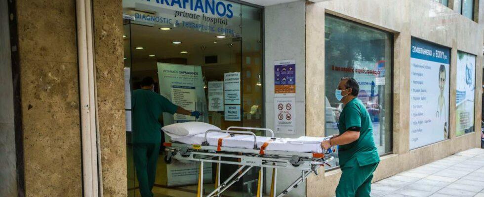 Οσμή σκανδάλου και με τις επιτάξεις: Γιατί επιλέχθηκαν δύο κλινικές με οικονομικά προβλήματα;