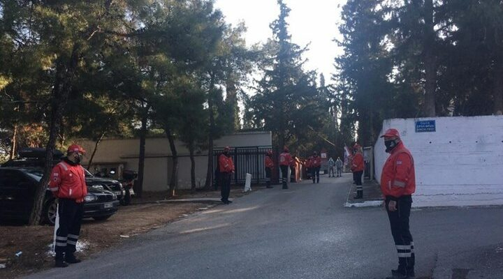 Θεσσαλονίκη: «Ράγισαν» καρδιές στο τελευταίο αντίο στον Σάκη Σωτηράκη - ΒΙΝΤΕΟ