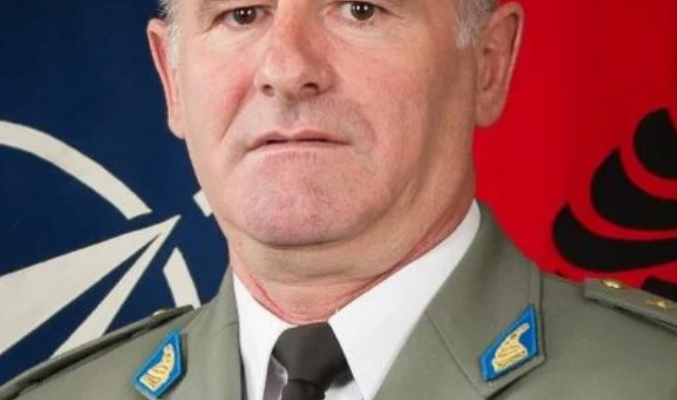 Αλβανός στρατηγός απειλεί την Ελλάδα!