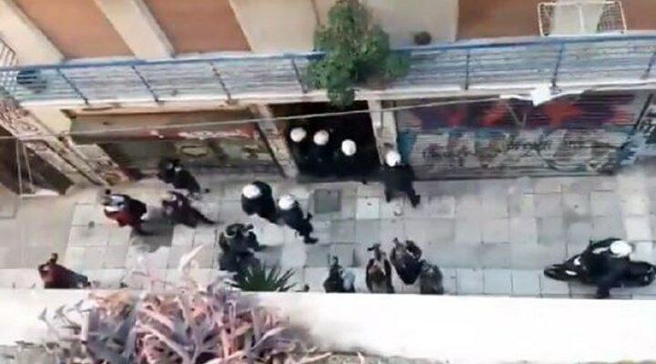 Αστυνομικοί έριξαν κρότου λάμψης σε πολυκατοικία