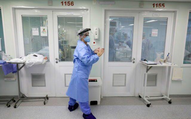 Κορωνοϊός: 101 νεκροί, 904 νέα κρούσματα