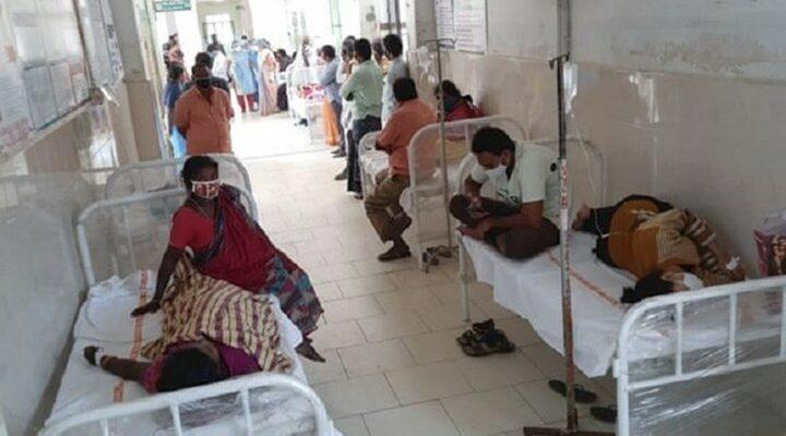 Ινδία: Μυστηριώδης ασθένεια έχει στείλει εκατοντάδες ανθρώπους στο νοσοκομείο