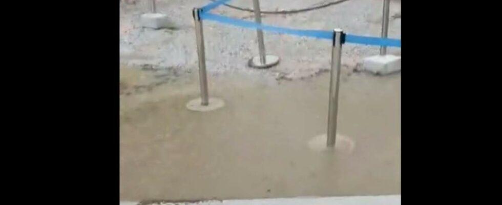 Πλημμύρισε η Ακρόπολη από την τσιμεντόστρωση