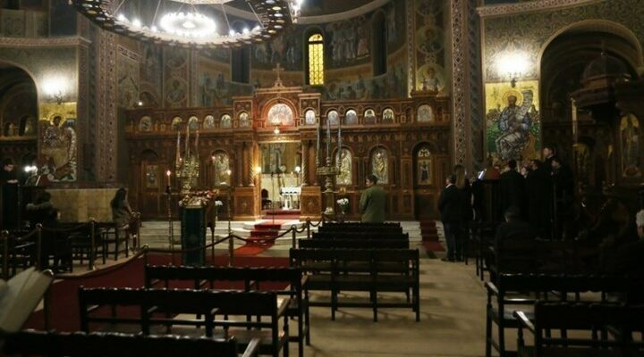 Προς άνοιγμα οι ναοί για το κοινό τα Χριστούγεννα