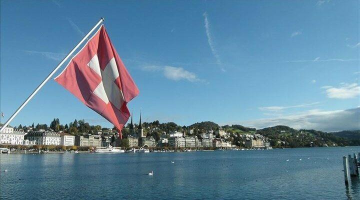 Ελβετία: Κλείνουν εστιατόρια και καταστήματα στις 7 το βράδυ