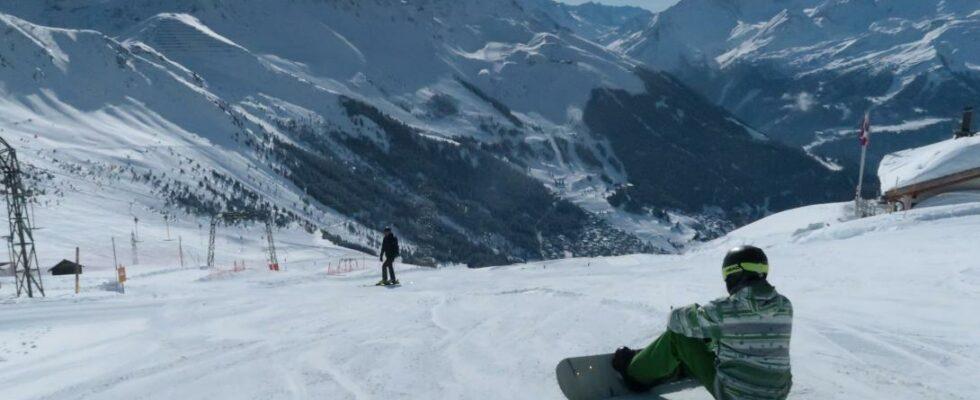 Η Ελβετία επιμένει στο άνοιγμα των χιονοδρομικών στις γιορτές