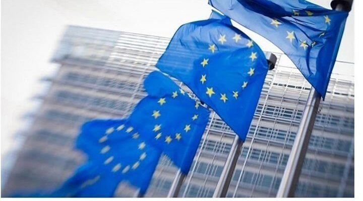 Ραγδαίες εξελίξεις: Η EE εξετάζει να διακόψει τις αεροπορικές συνδέσεις με Βρετανία