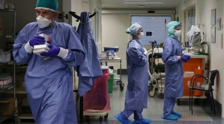 Ιταλία: Με πολύ υψηλό ιικό φορτίο η ασθενής που βρέθηκε θετική στη μετάλλαξη