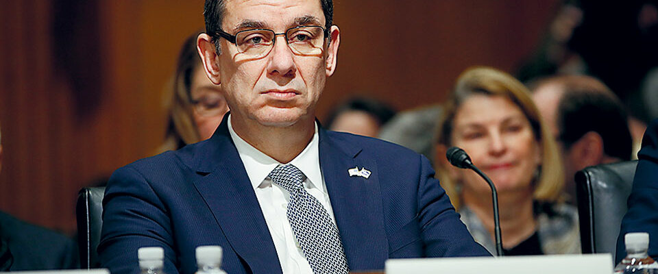 Μπουρλά (CEO της Pfizer): Για να «πιάσει» το εμβόλιο, οι κυβερνήσεις δεν πρέπει να ανοίξουν τις οικονομίες τους!