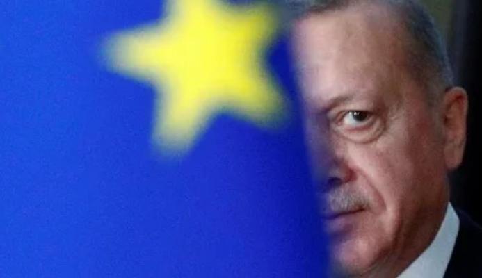 Μεγάλα συμφέροντα στο πλευρό Ερντογάν