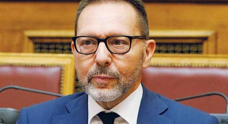 Στο 11% η ύφεση, αλλά ο Στουρνάρας αγωνιά για την έκθεση Πισσαρίδη