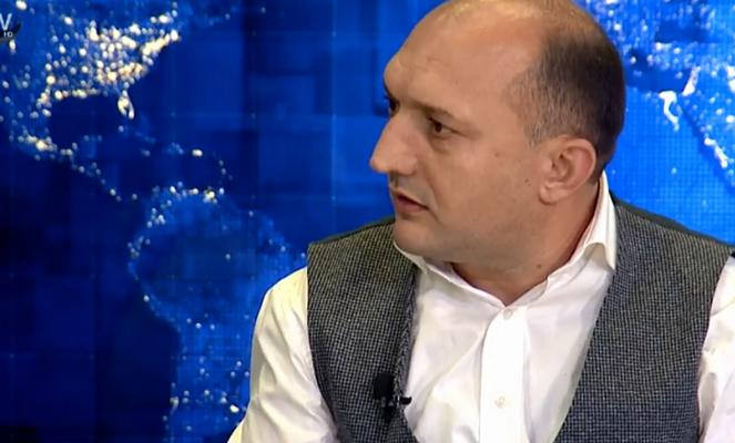 ΑΠΟΚΑΛΥΨΗ:Τα Σκόπια χρηματοδοτούν Αλβανό ανθέλληνα ΄΄συγγραφέα''